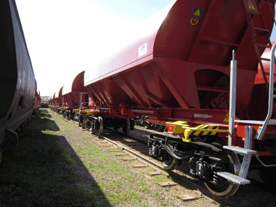 Wagons de transport de ballaste / Ballast transport wagons